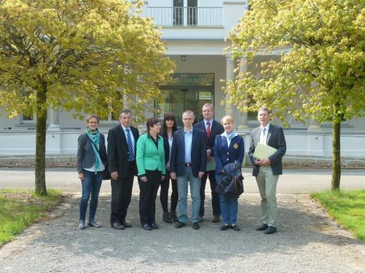 Der SPD-Arbeitskreis Haushalt und Finanzen zu Besuch bei der Steuerakademie in Bad Eilsen.