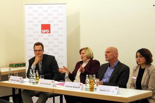 """Veranstaltung """"Gelebte Willkommenskultur"""", 12. November 2014 mit Sozialministerin Cornelia Rundt"""