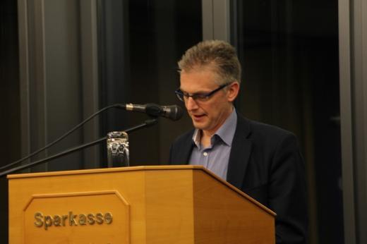 Ich habe über aktuelle Themen aus dem Landtag informiert, insbesondere über die anstehende Novelle des Niedersächsischen Personalvertretungsgesetzes. Hierzu finden im Arbeitskreis Haushalt und Finanzen derzeit die Vorerörterungen statt.