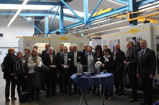 Die Teilnehmer der Exporttour bei der Firma ABACUS Maschinenbau GmbH in Osnabrück.