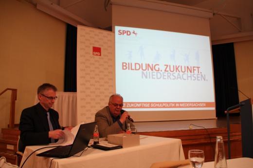 MdL Uwe Strümpel stellte die wichtigsten Neuerungen des geplanten Bildungschancengesetzes vor.