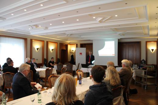 Am 20. Mai 2015 habe ich interessierte Bürgerinnen und Bürger zur zweiten Informationsveranstaltung zur Schulgesetznovelle ins Hotel Haus Rahenkamp in Osnabrück eingeladen.