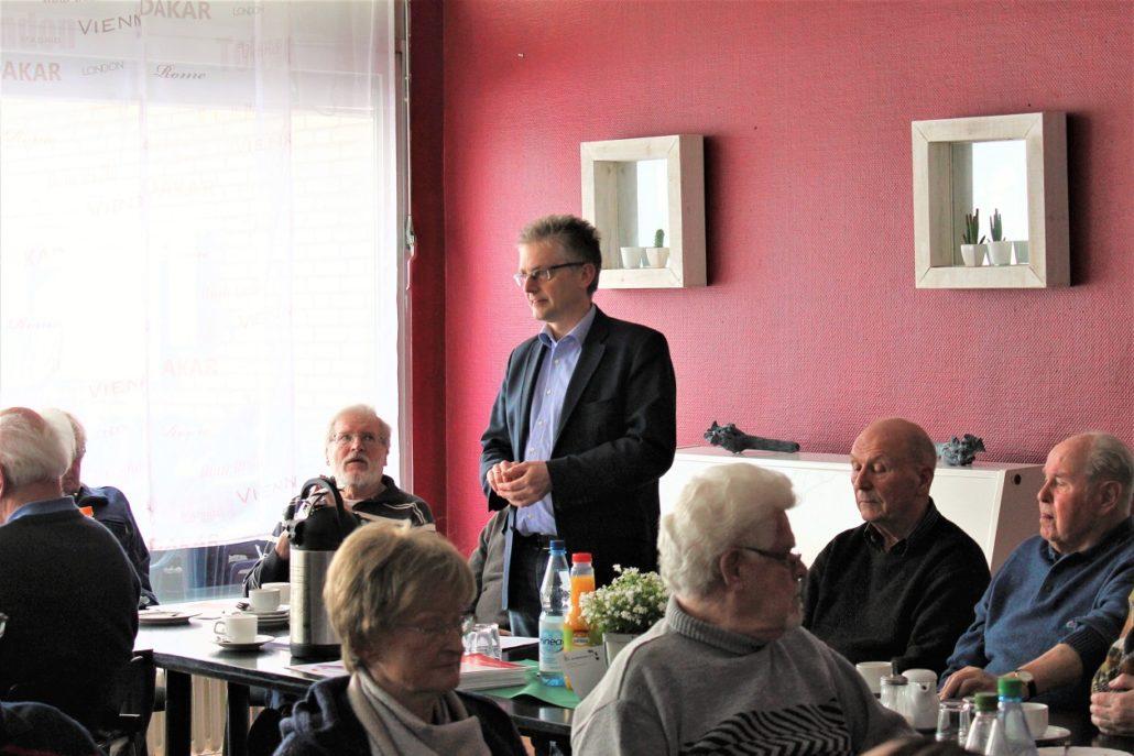 Besuch bei den IG Metall-Senioren: Gute Arbeit und soziales Wohnen standen thematisch im Fokus.