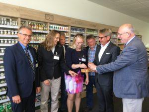 v.l.n.r.: Frank Henning (MdL), Gabriele Andretta (MdL), Stefan Klein (MdL), Jutta Dettmann (Landtagskandidatin), Ronald Schminke (MdL), Nils Meyer-Pries (Geschäftsführer), Gerd Will (MdL)