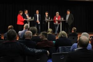 Bei der Podiumsdiskussion zu den Themen Leiharbeit und Digitalisierung