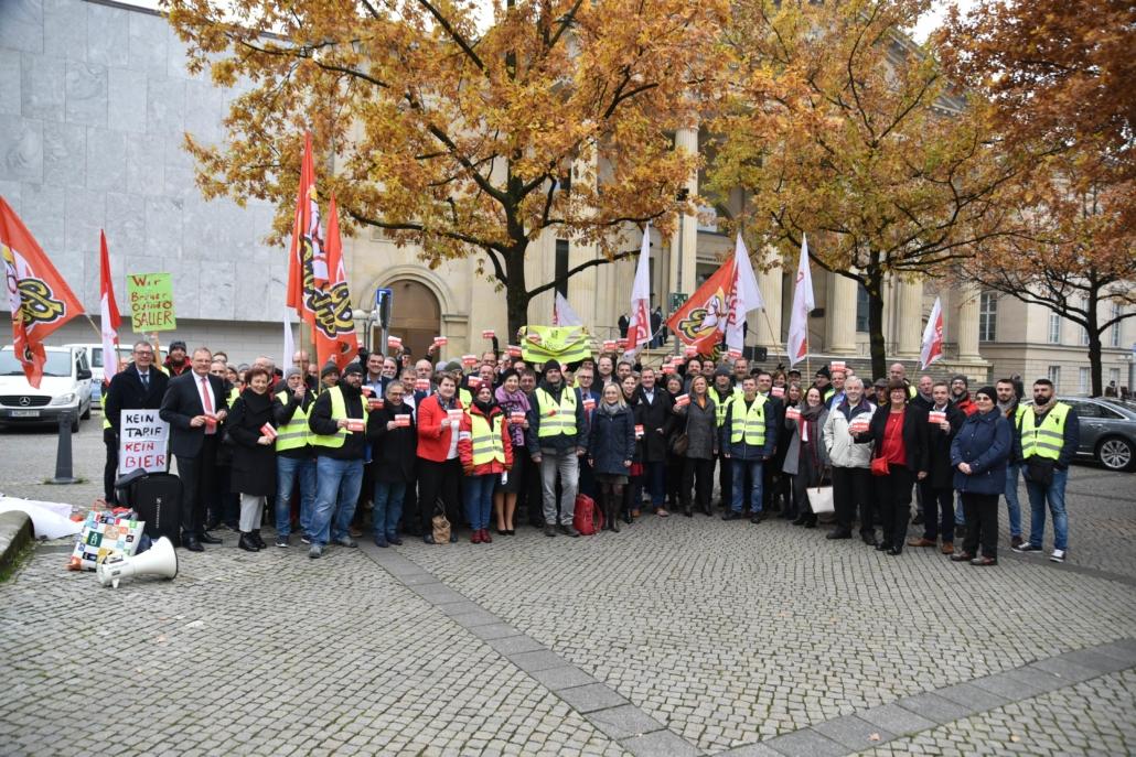 Solidarität mit den Streikenden der Gilde Brauerei.